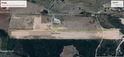 Lote para construção de hangar